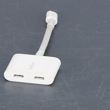Rozdvojka pro nabíjecí kabel Belkin bílá