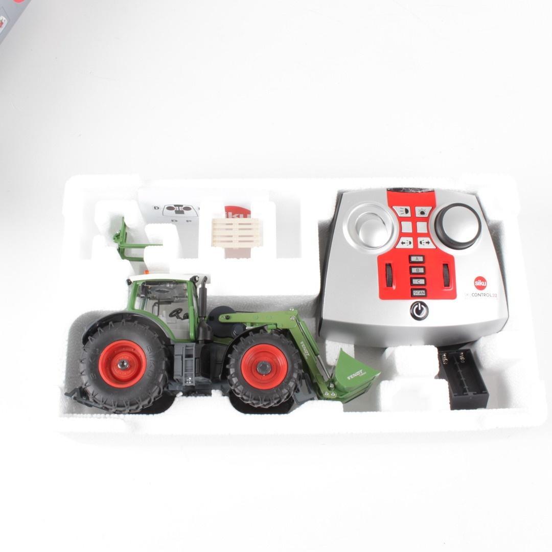 Traktor SIKU 6778 zelené barvy