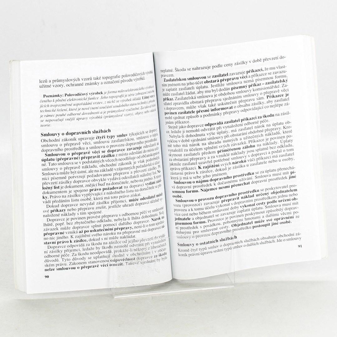 Kniha Právo pro střední školy