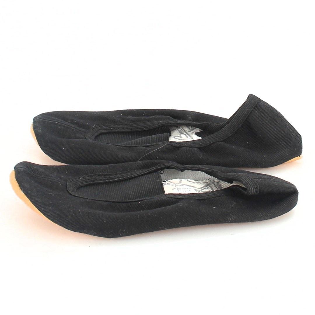 Gymnastická obuv Beck 25 černé