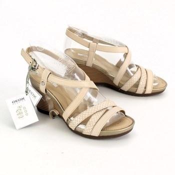 Dámské sandálky na klínku Geox béžové