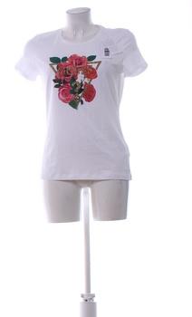 Dámské tričko Guess růže s nápisem GUESS?
