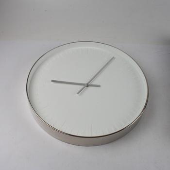 Nástěnné hodiny stylové Karlsson