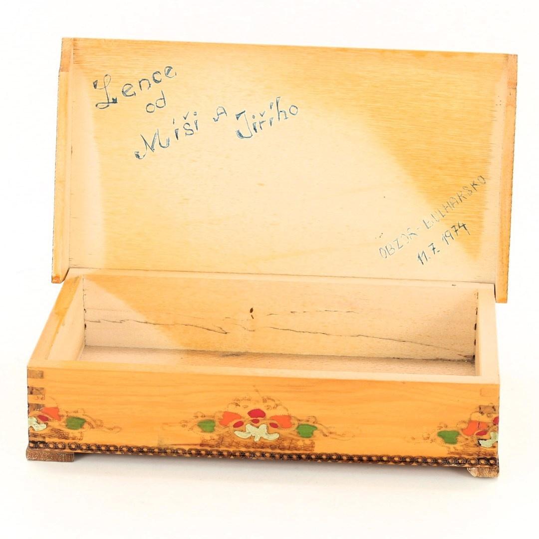 Šperkovnice dřevěná zdobená