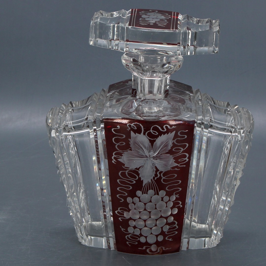 Skleněná lahev na alkohol
