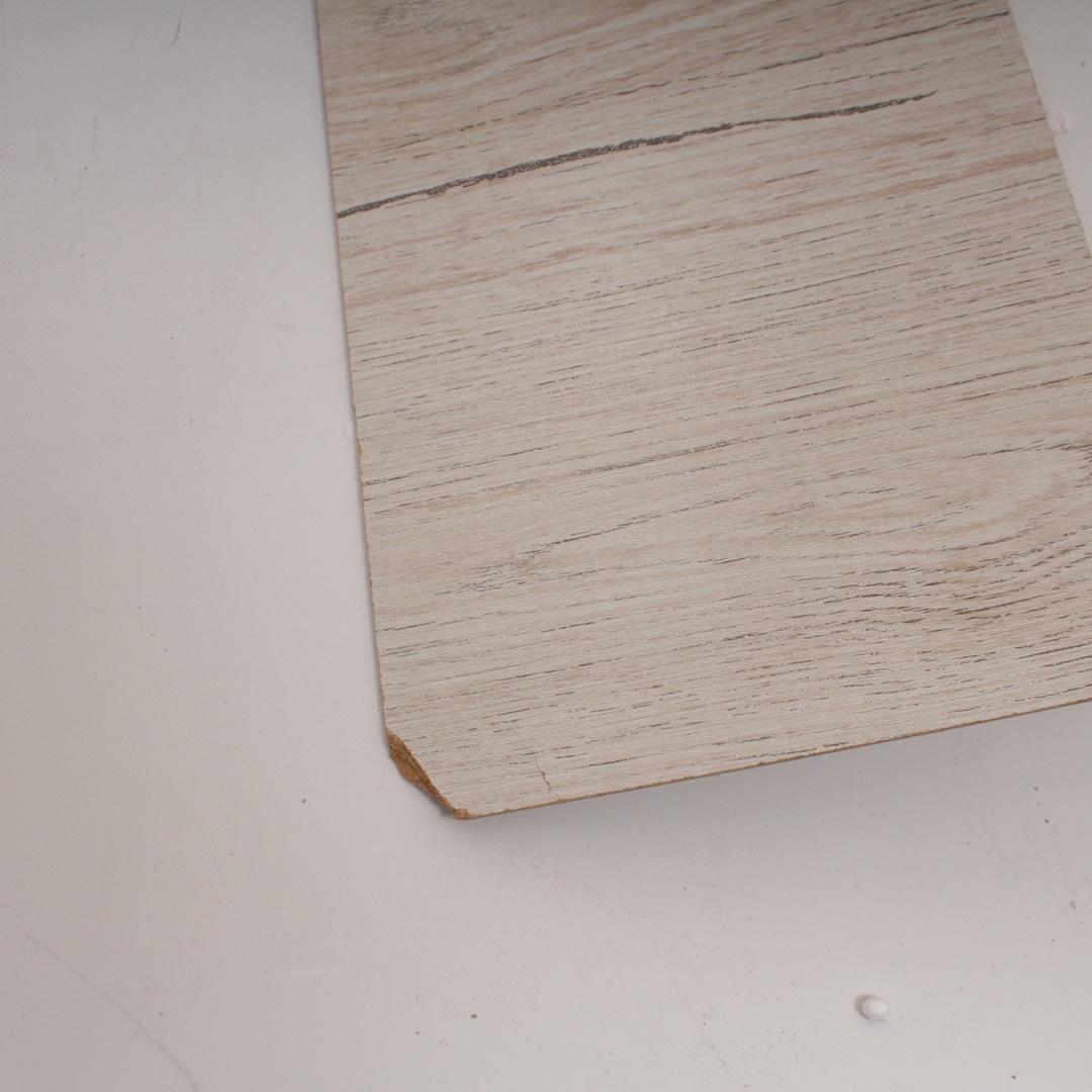 Komoda se třemi zásuvkami bílá