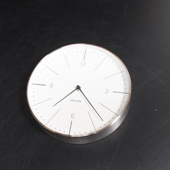 Nástěnné hodiny značky Karlsson