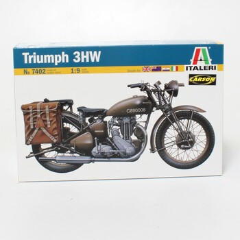 Model motocyklu Italeri 7402 Triumph