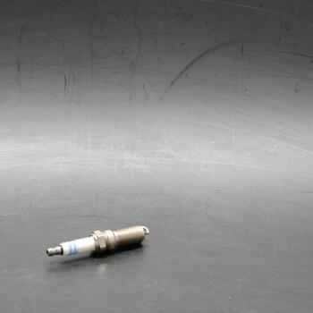 Zapalovací svíčka Bosch 0 242 236 HR7MEV 633