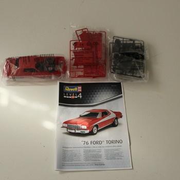 Model Ford Torino 76 Revell 07038