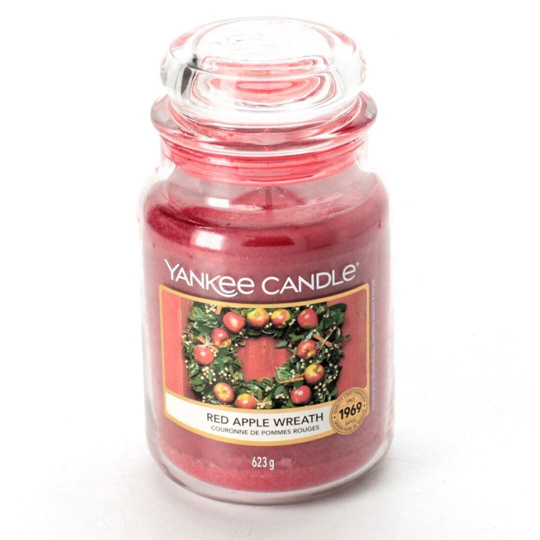 Vonná svíčka Yankee Candle Red Apple Wreath