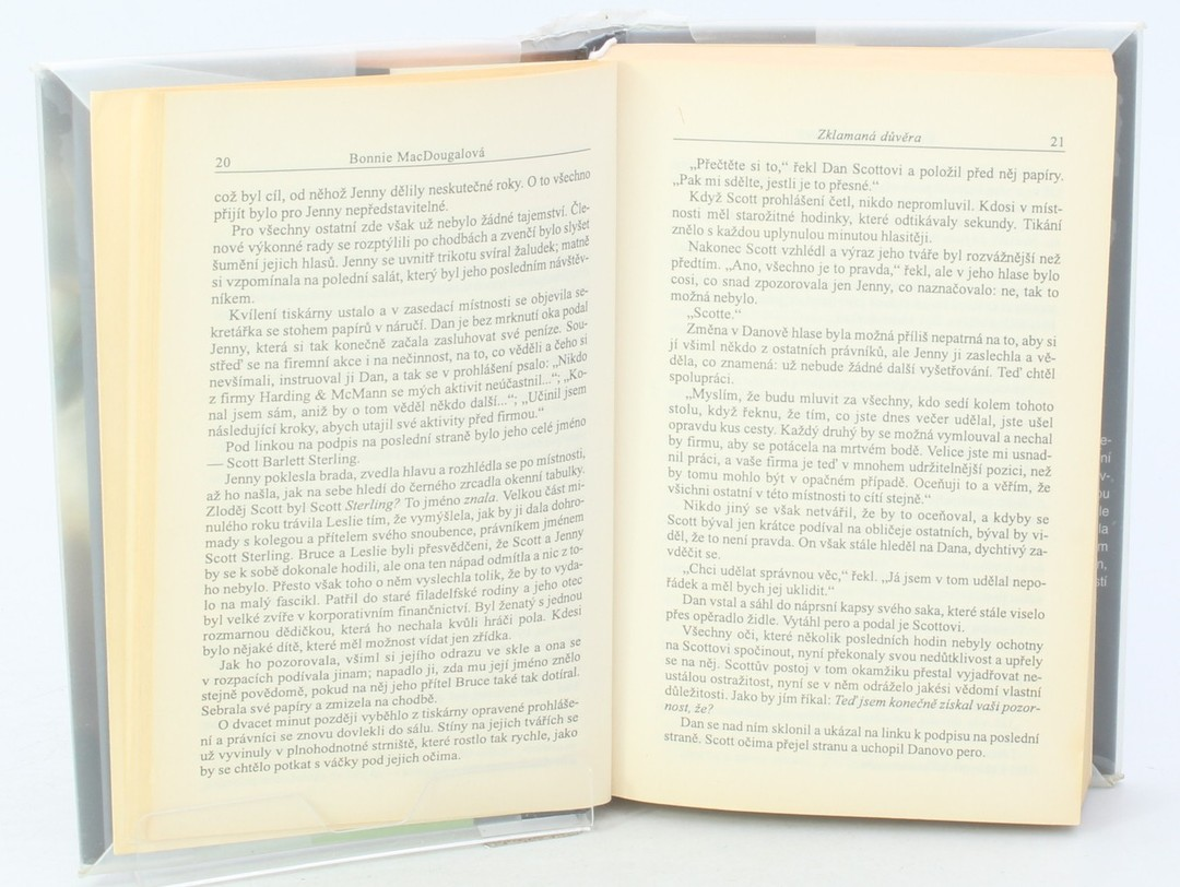 Kniha B. Dougalová: Zklamaná důvěra