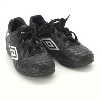 Dětské sportovní boty Umbro černé a2e4678ae4