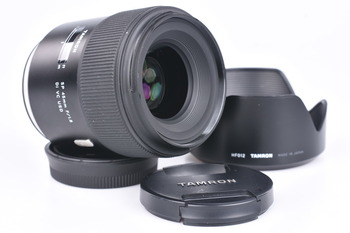 Objektiv Tamron SP 45mm f/1,8 pro Canon