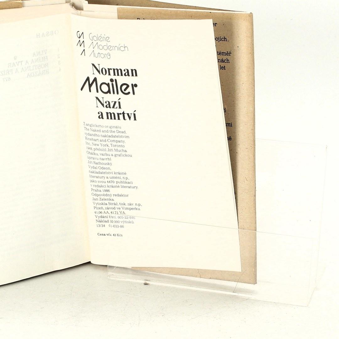 Kniha Norman Mailer: Nazí a mrtví