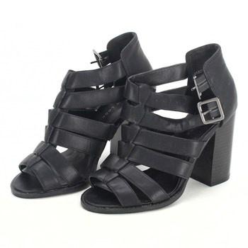 Dámské sandále na podpatku New Look černé cb797aa35e