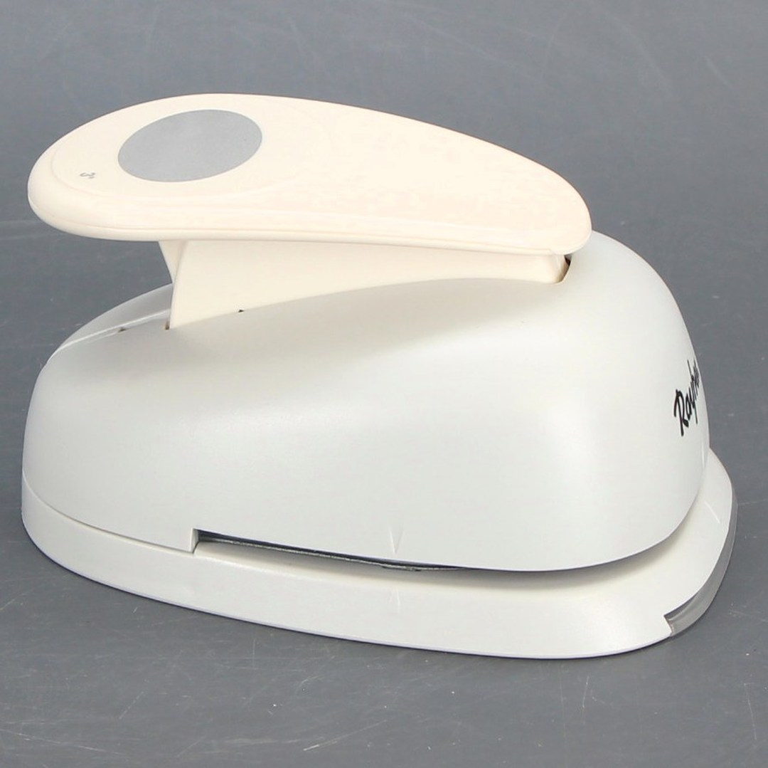 Děrovačka Rayher bílé barvy kolečko