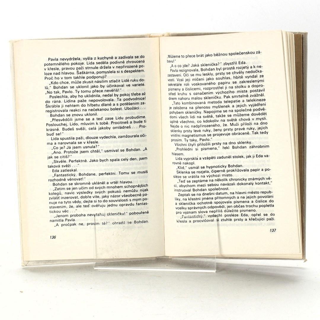 Kniha Jiří Švejda: Ve vrcholu pyramidy