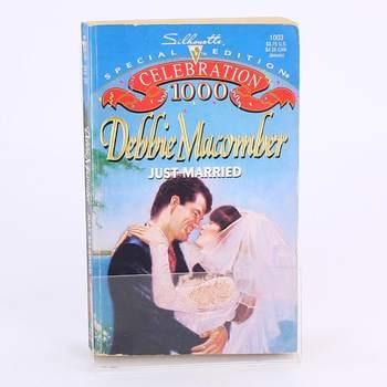 Kniha Just Married Debbie Macomber