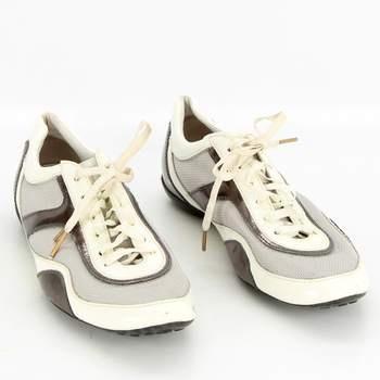 b79cf824282 Chlapecké fotbalové boty bílošedé