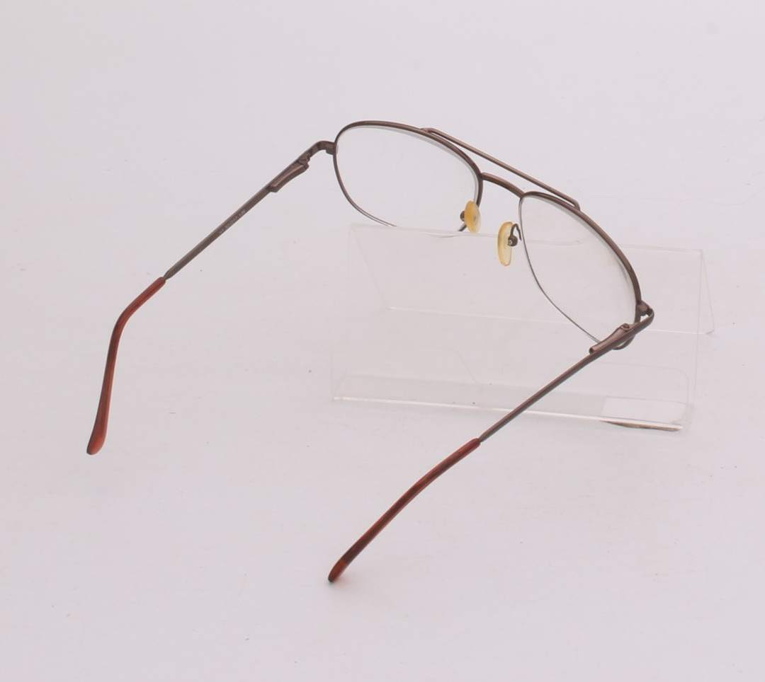 Dioptrické brýle s hnědou obrubou