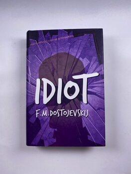 Idiot Pevná (2014)